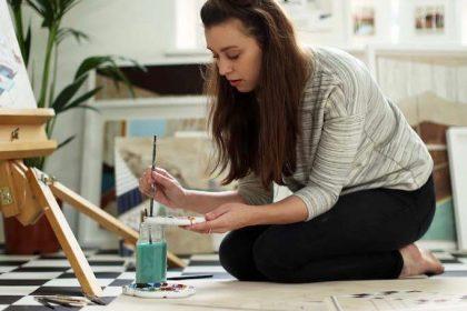 Mid-Century Modern Sojourn Inspires UK Artist