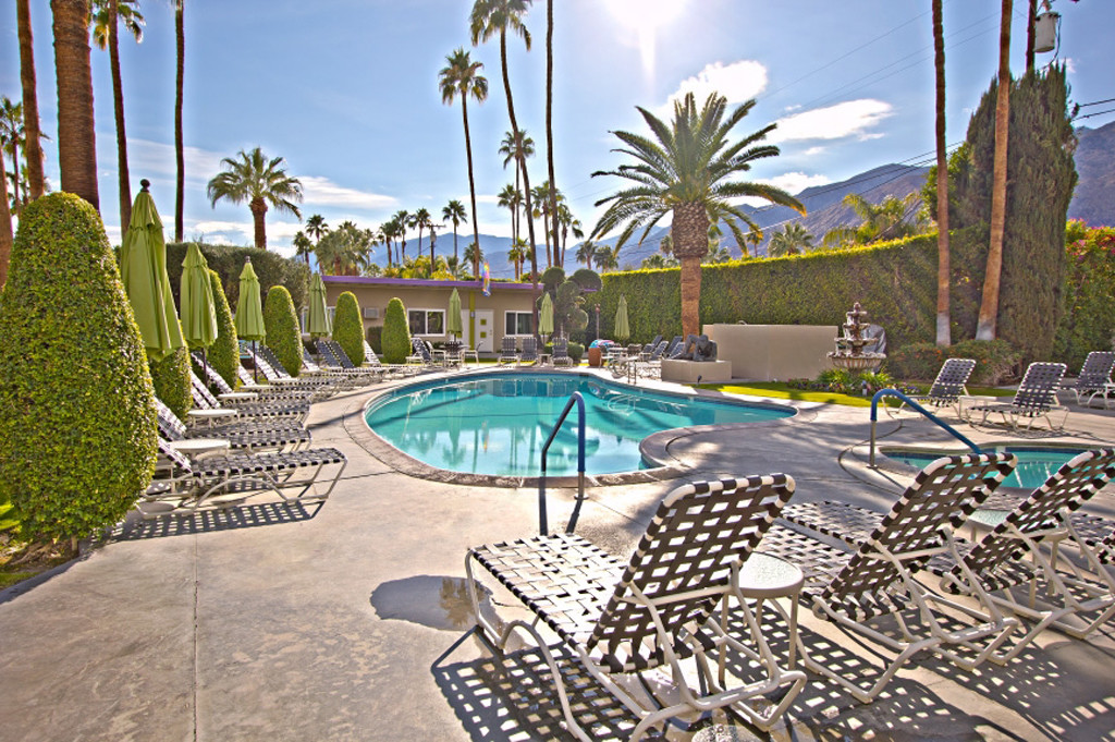 Palm Springs Gay Clothing-Optional Resort INNdulge is Up